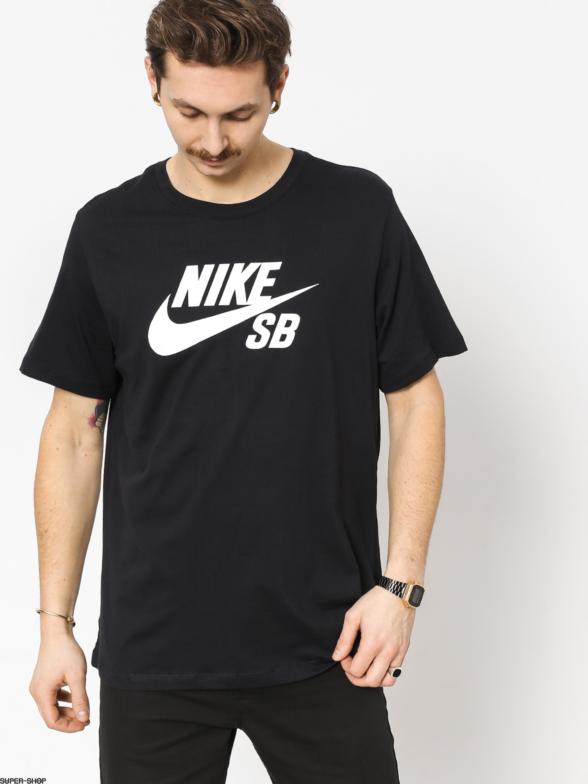 t shirt nike sb