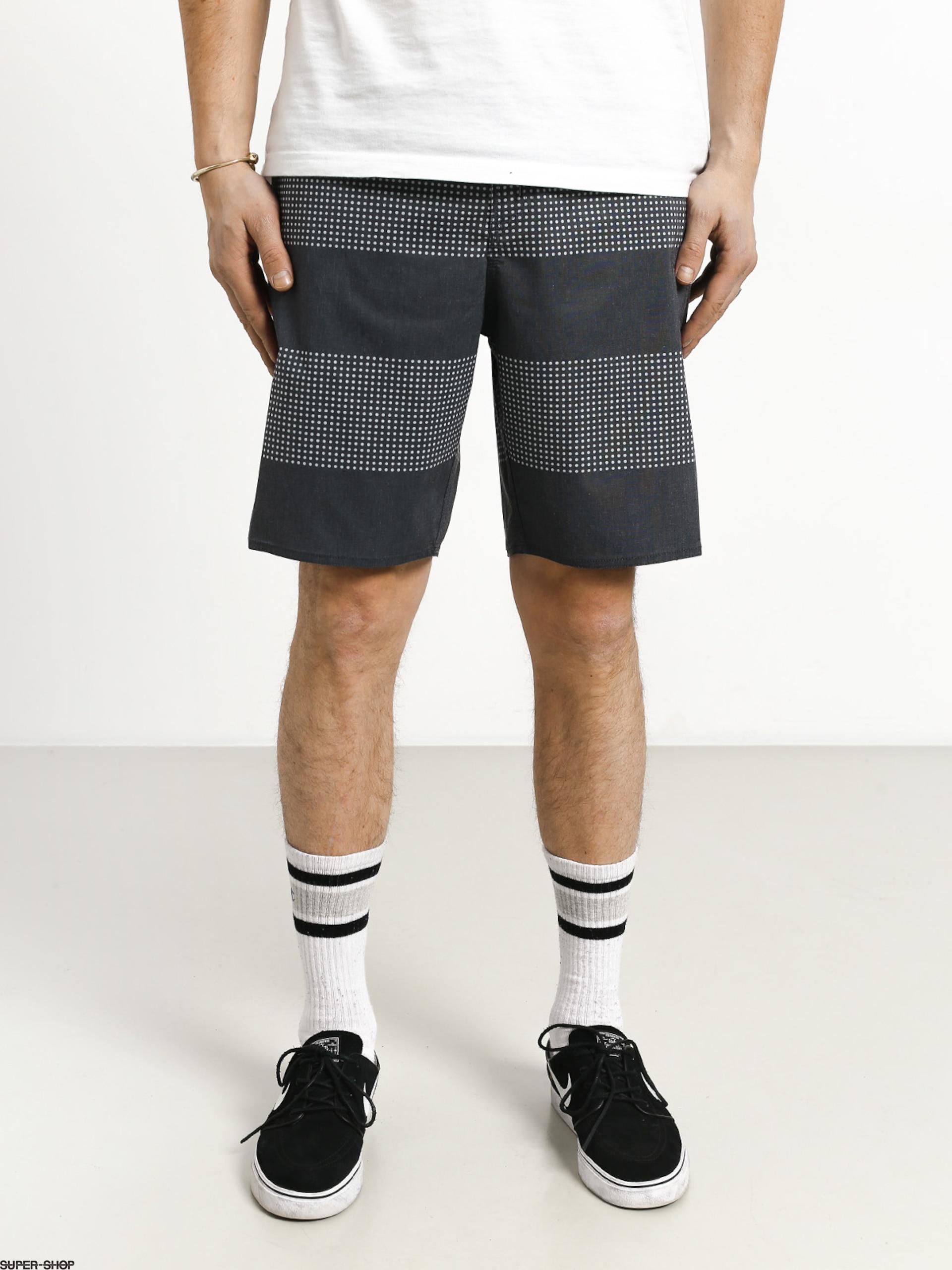 b7e04dfcfaab0 1022769-w1920-brixton-barge-stripe-trunk-shorts-navy-off-white.jpg