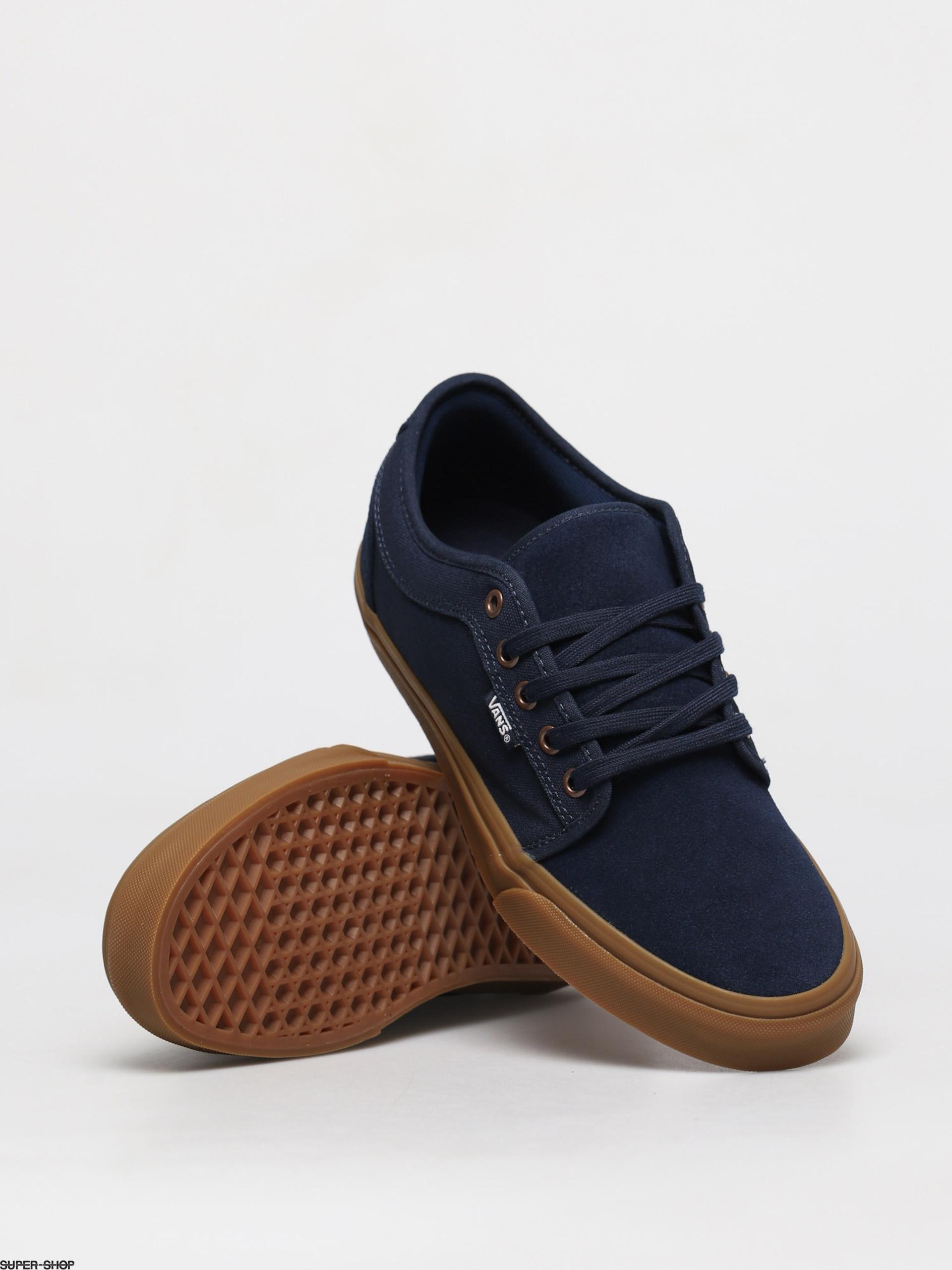 Chukka Low Shoes | Black | Vans