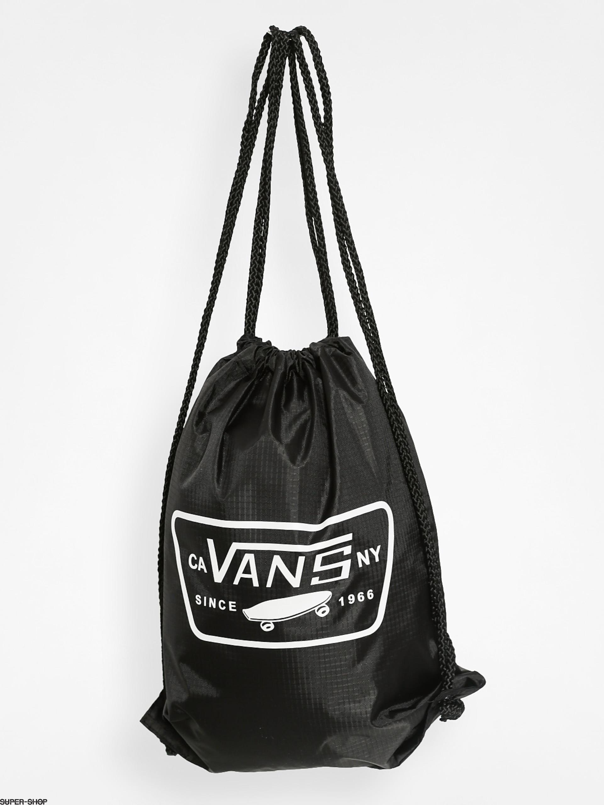 11a6e33658 835192-w1920-vans-backpack-league-bench-bag-black-white.jpg