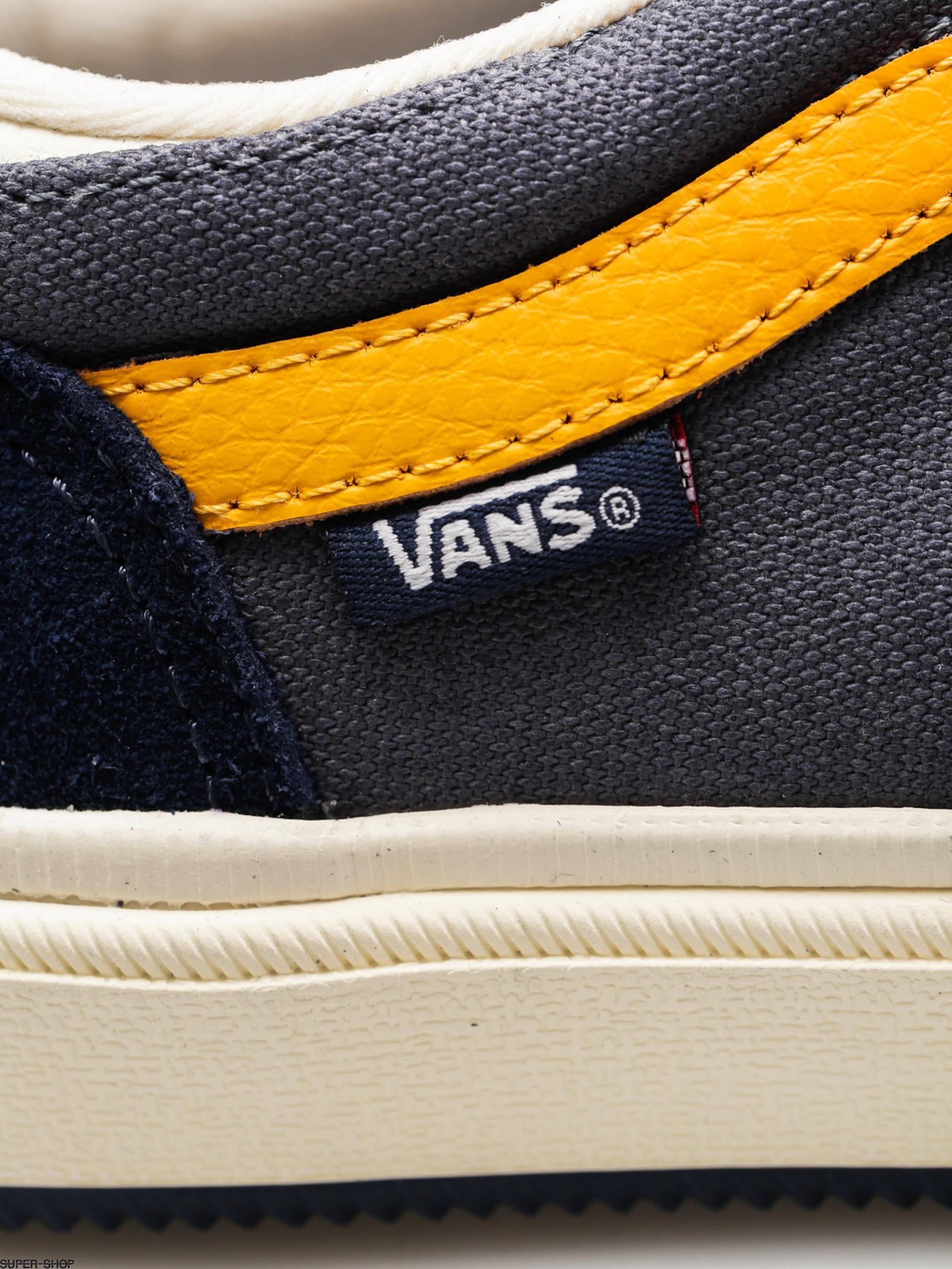 500a2c3d5552b7 Vans Shoes Gilbert Crockett (antique navy)