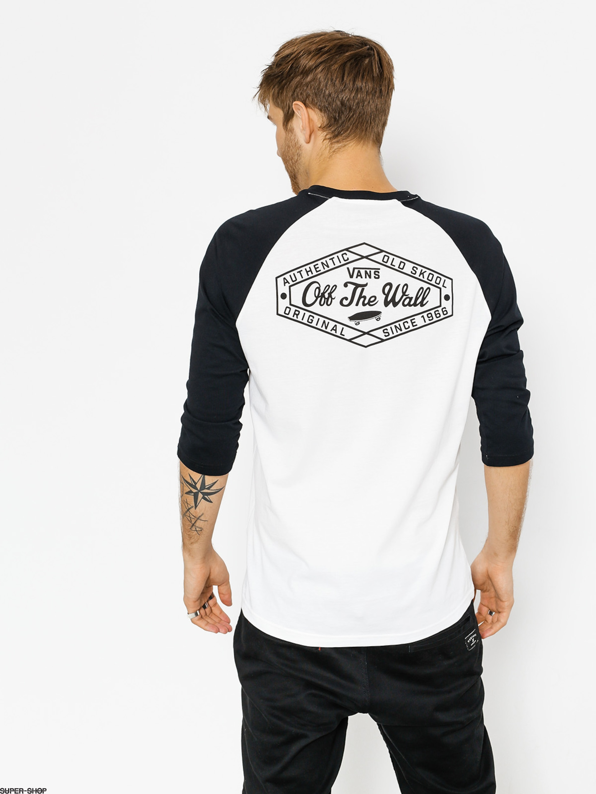e9a62f628feb2 Vans T-shirt Original Lock Up Pocket Raglan (white/black)