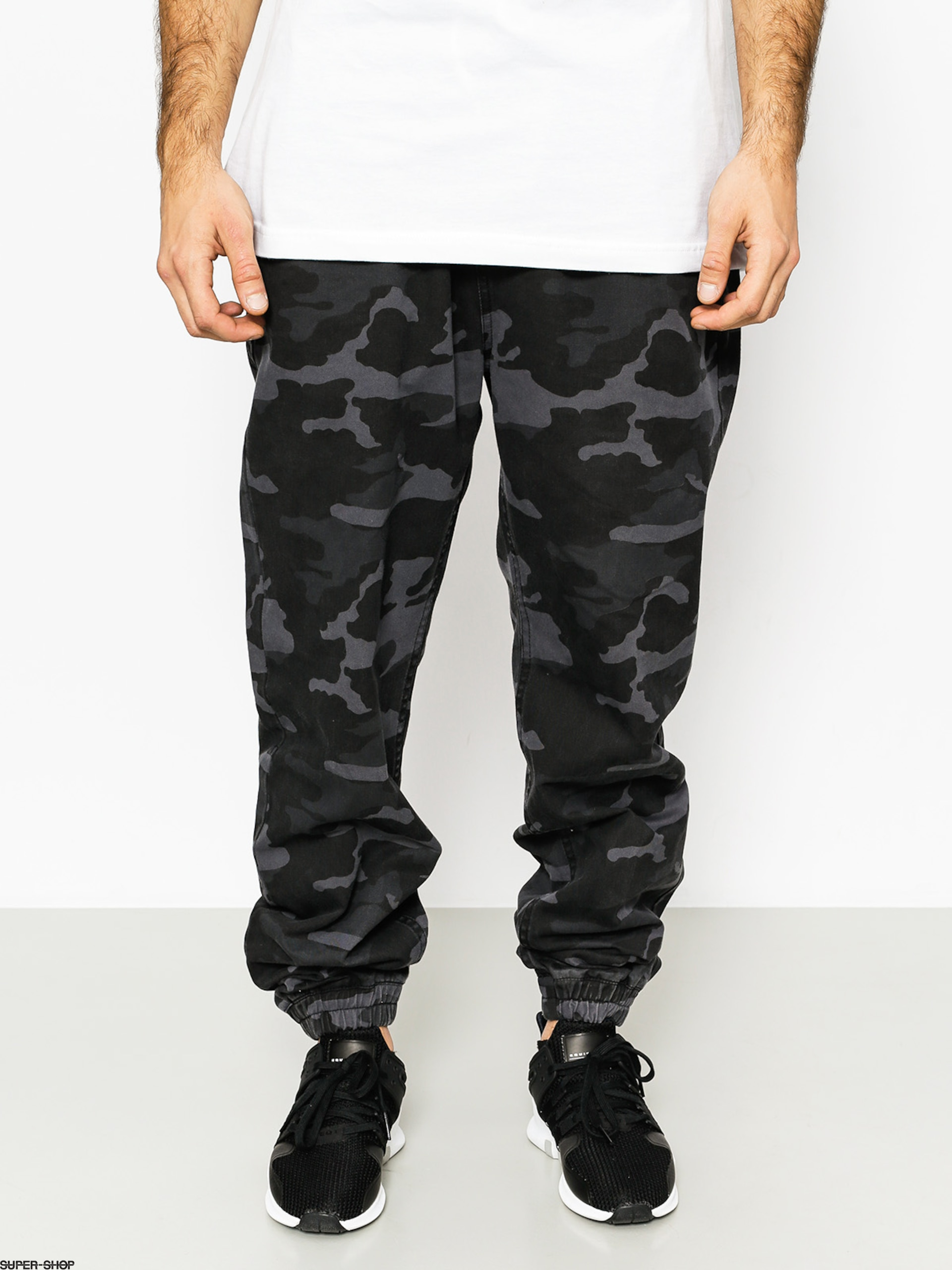 MassDnm Pants Signature Joggers (black camo)