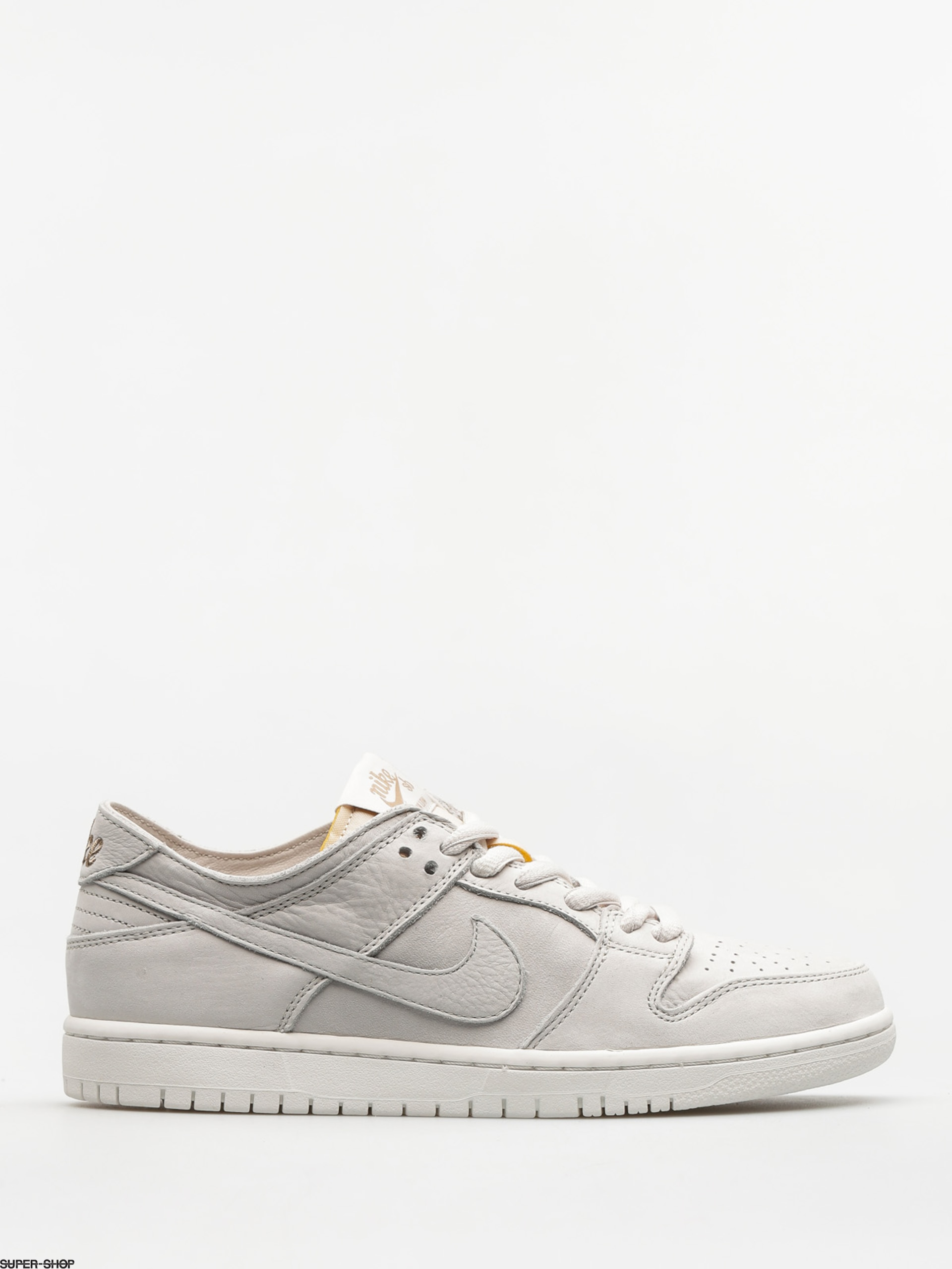 ad80765a74b0 913125-w1920-nike-sb-shoes-zoom-dunk-low-pro-deconstructed-light-bone-light- bone-summit-white-khaki.jpg