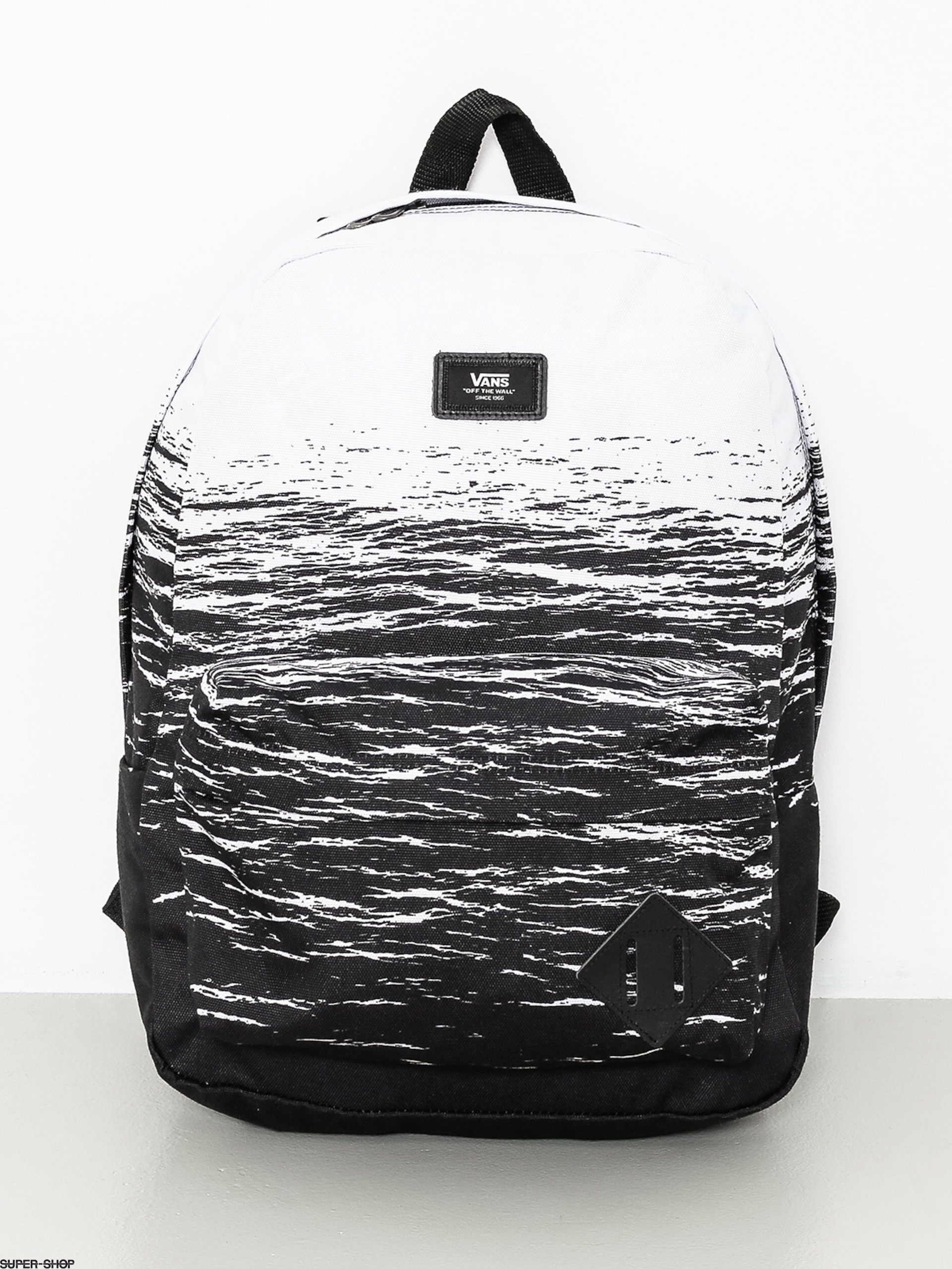 6ca5103ba0 936759-w1920-vans-backpack-old-skool-ii-white-dark-water.jpg
