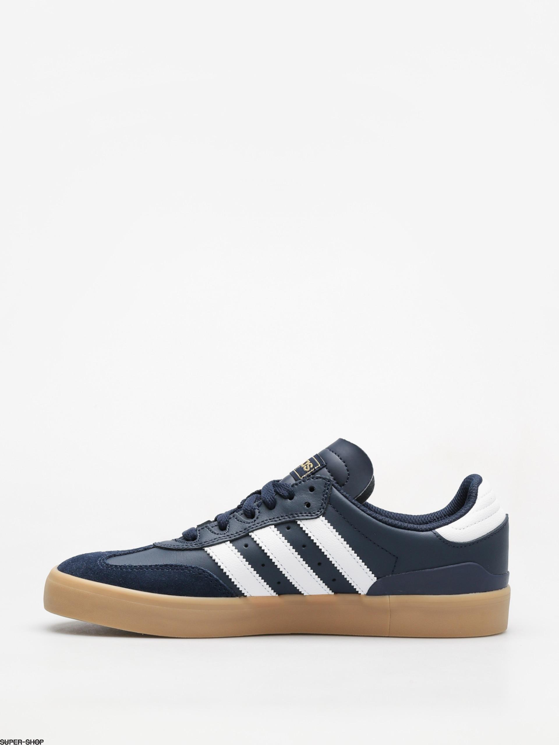 Chaussures de sport Baskets et chaussures de sport adidas